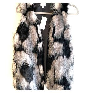Faux fur vest black grey and white